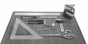 A może spróbować nożykiem? Podstawowe narzędzia do budowy makiet architektonicznych.
